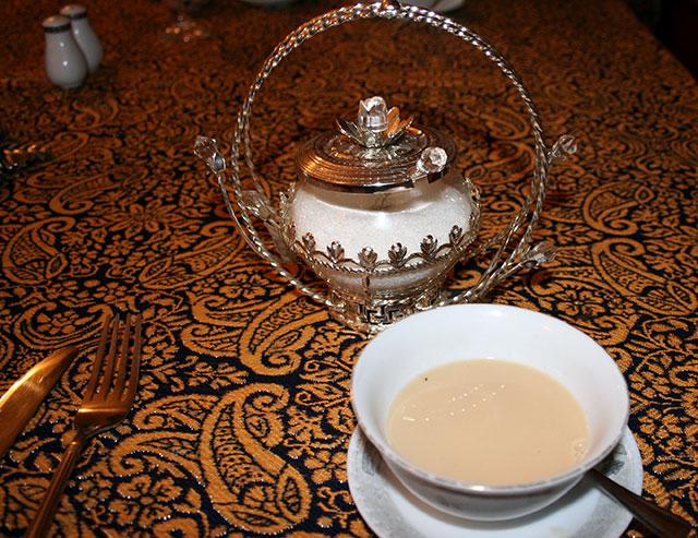 Чай по-татарски со сливками и солью-своеобразный напиток татарской кухни.