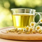 Чай с травами бережет красоту