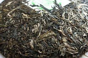 Черный чай лучше не употреблять язвенникам