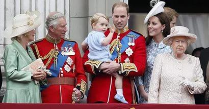 Королева Елизавета приглашает ровесников отметить день рожденье чаепитием